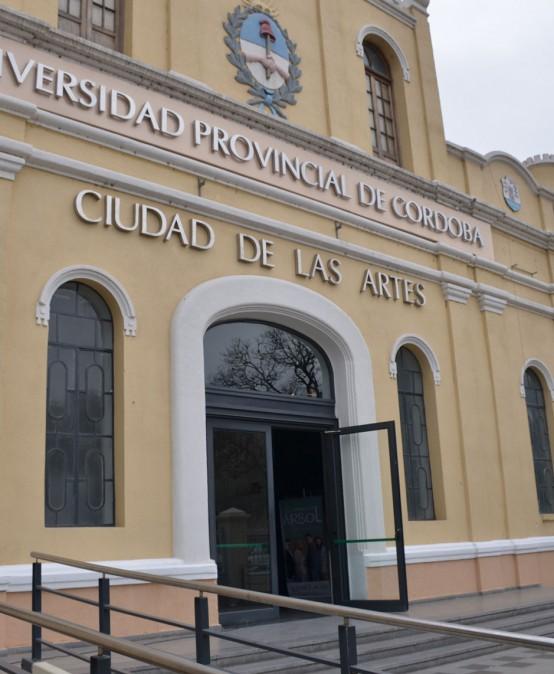 Convocatoria para Unidades Curriculares de Carreras Universitarias de la FAD