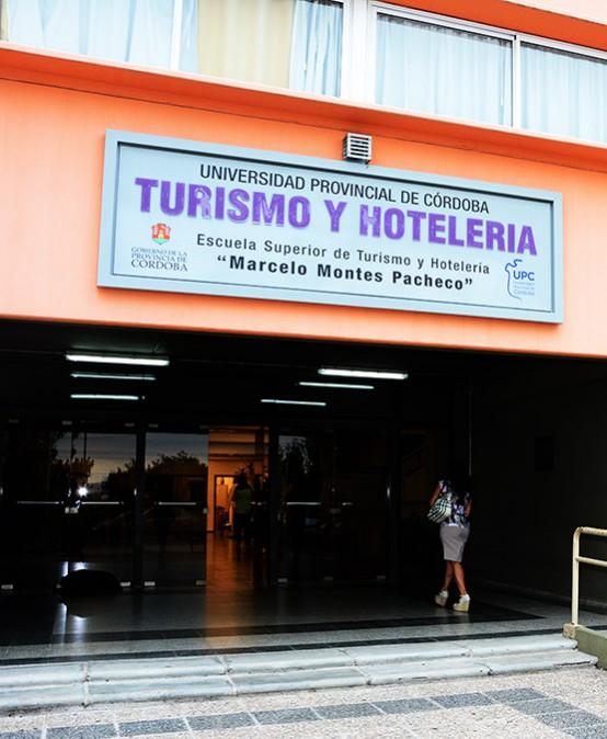 Convocatoria de cargos docentes no directivos en la Facultad de Turismo y Ambiente
