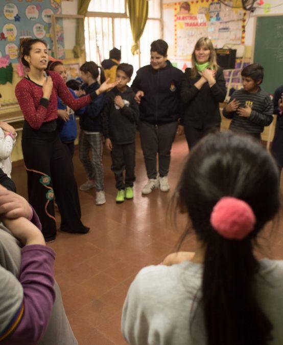 Convocatoria para Egresados/as de los Profesorados de Danza y Teatro