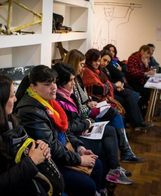 """Emotiva visita de docentes a la muestra """"Yo quiero ver un tren"""""""