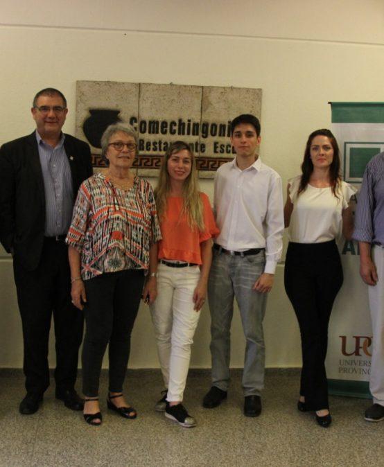 Dos estudiantes de la FTA ganaron una beca para viajar a España