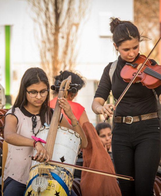 La FAD fue sede del concierto de fin de año de la Orquesta de Instrumentos Reciclados