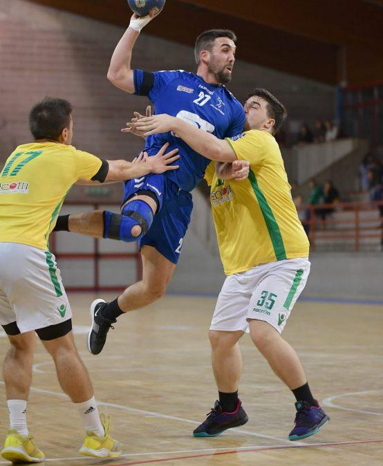 Gonzalo Sánchez, un profe y jugador de handball cordobés que hace carrera en la liga europea